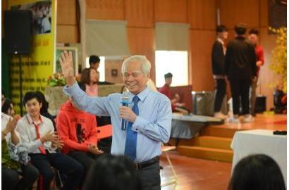 """[BÁO GIÁO DỤC&THỜI ĐẠI] """"Phép màu"""" nào trong ứng xử của thầy với trò (Phỏng vấn Thầy CT HĐQT Nguyễn Văn Hòa)"""