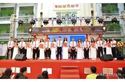 [CÔNG LÝ & XÃ HỘI] Trường Nguyễn Bỉnh Khiêm (Cầu Giấy, Hà Nội): Trường học hạnh phúc