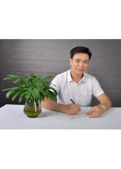 Nhà giáo Nguyễn Hoàng Anh