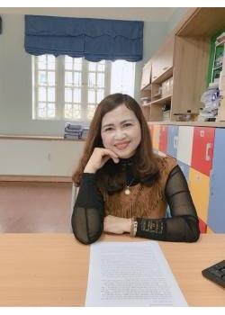 Nhà giáo Lê Thị Hoa