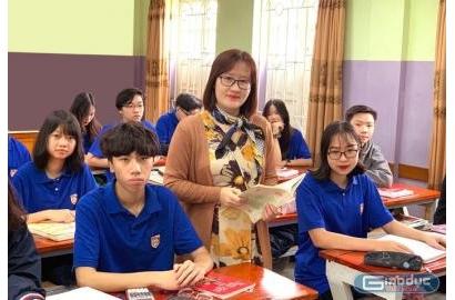 """[Giaoduc.net] Cô giáo nhiều lần bật khóc trên hành trình đi tìm hạnh phúc của """"sỏi, đá""""!"""
