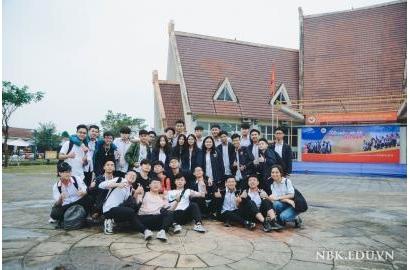 Học sinh NBK tham gia trải nghiệm tại Làng Văn hoá các dân tộc Việt Nam